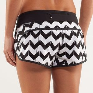 Lululemon Speed Shorts Arrow Chevron Black White
